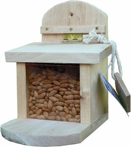Wildlife World Squirrel Feeder